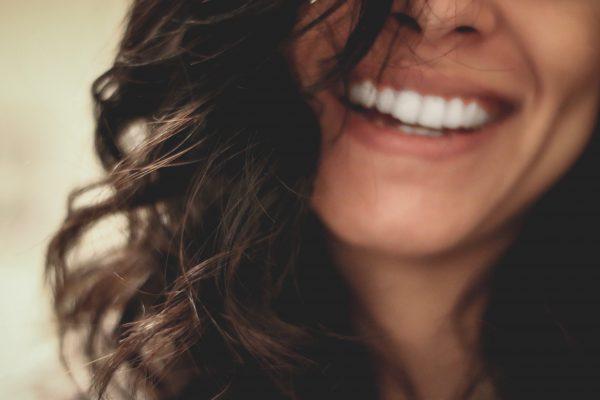 Comment le sourire affecte votre quotidien